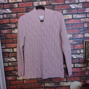 Woman's pullover sweater.